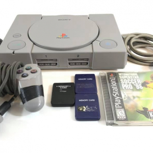 Playstation 1 + 1 Joystick + 3 Memory Card + 1 Gioco