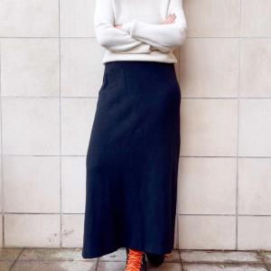 - Jil Sander skirt, black cashmere / wool fleece blend, sz 36/42
