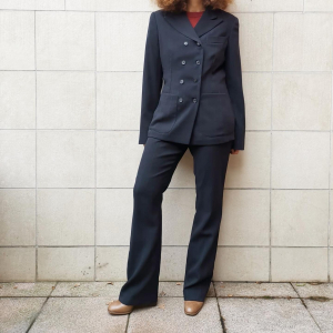 - pinstripe suit, in dark gray wool, sz 42