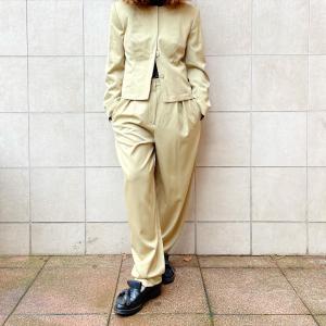 - mustard suit, wool, onesize