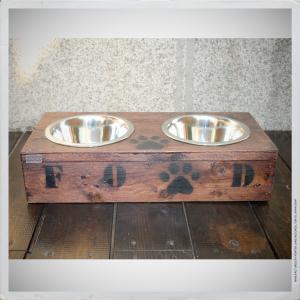 - BOWL HOLDER FOR DOGS II