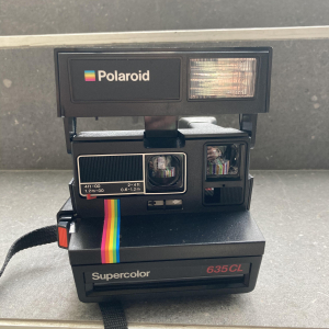 - Polaroid 635CL