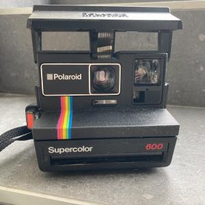 - Polaroid 600