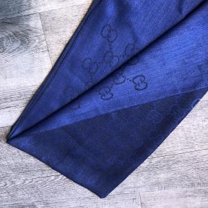 - Gucci - Sciarpa Monogram GG