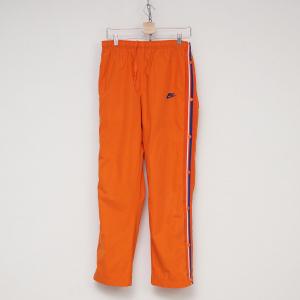 Tuta arancione Nike