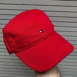 TOMMY HILFIGER BASEBALL CAP - FERRARI RED
