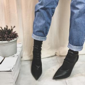 - Tacchi a calza