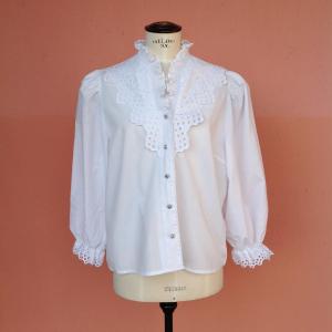 - Camicia tirolese