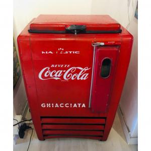 Ghiacciaia Coca Cola anni '50 conservata e perfettamente funzionante