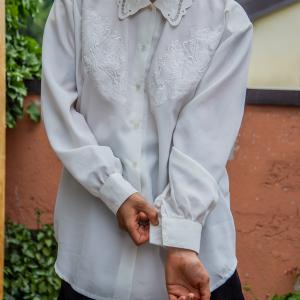 - Camicia Vintage Ricamata