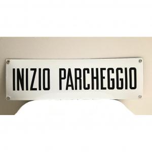 - Insegna INIZIO PARCHEGGIO
