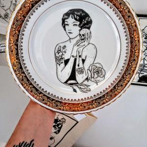- Piatto in porcellana vintage