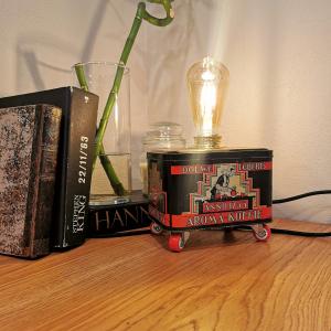 - Lampada scatola Caffè Douwe Egberts anni 50