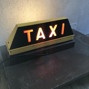 - Lampada  Taxi