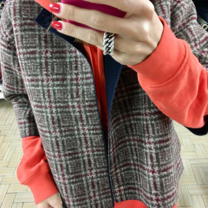 - Giacca in lana