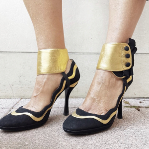 - PRADA shoes, Black /gold siede n 37,5