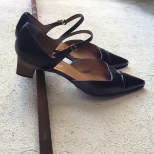 Gucci MaryJane shoes
