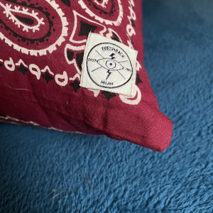 - BANDANA CUSCINO MONO FACE BORDEAUX