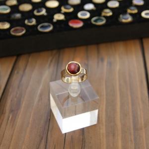 - anello piccolo - da mignolo- color oro con pietra prugna