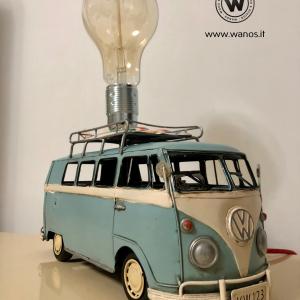 - Lampada da tavolo modello furgoncino vintage Volkswagen T1.