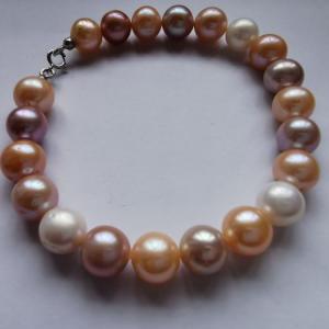 - Bracciale in oro 18kt perle multicolor