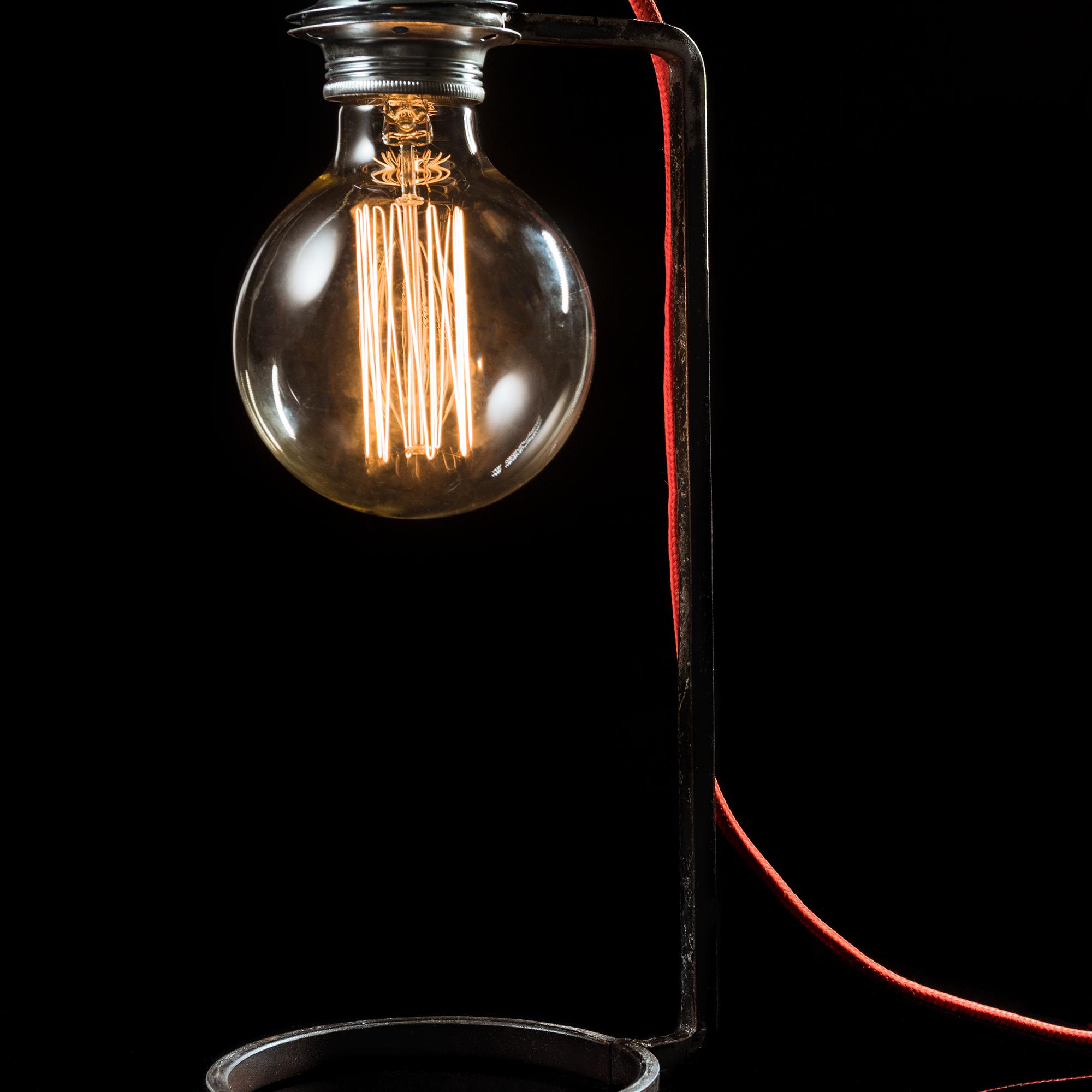 Lampada Da Tavolo Di Design In Ferro Battuto Swan Eastmarketplace Com